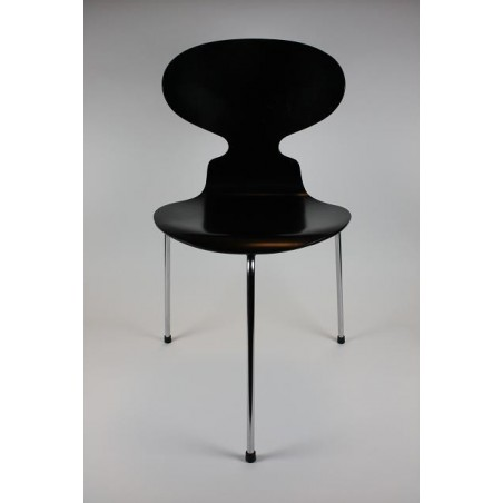 Arne Jacobsen Mier stoel 3-poot model 3100
