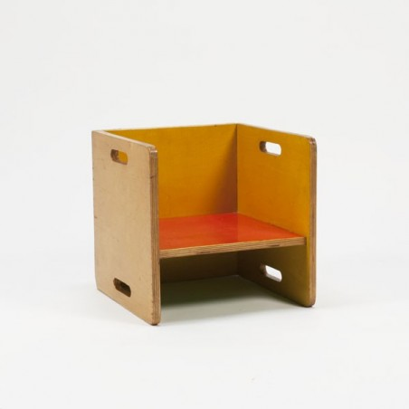 Kinderstoel in ADO stijl