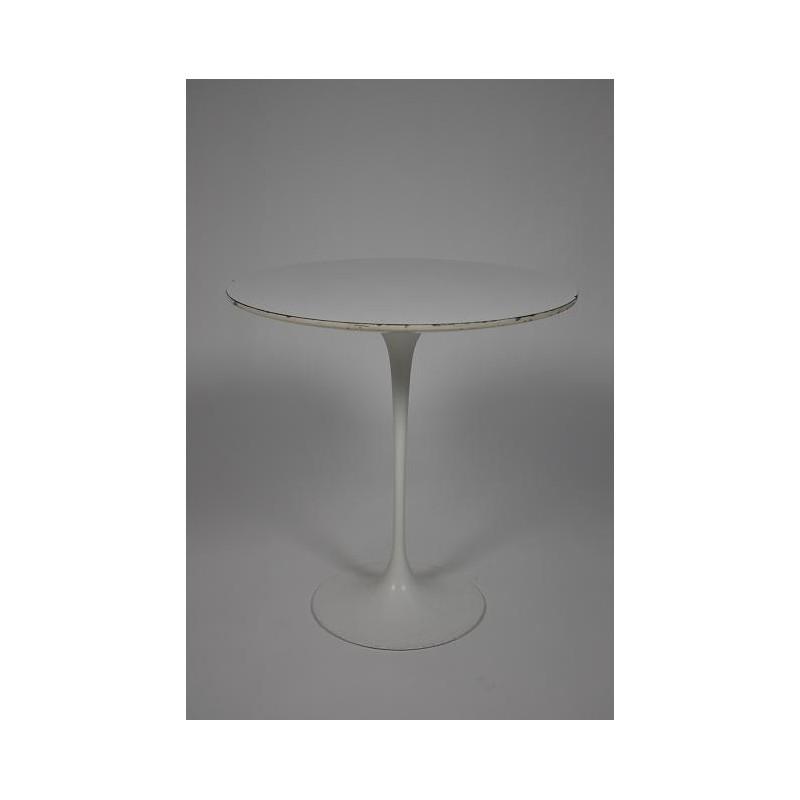 Eero Saarinen tulip side table
