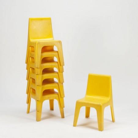 Plastic kinderstoeltje geel