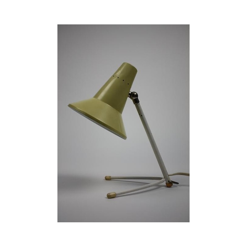 Yellow/white lamp on 3-feet