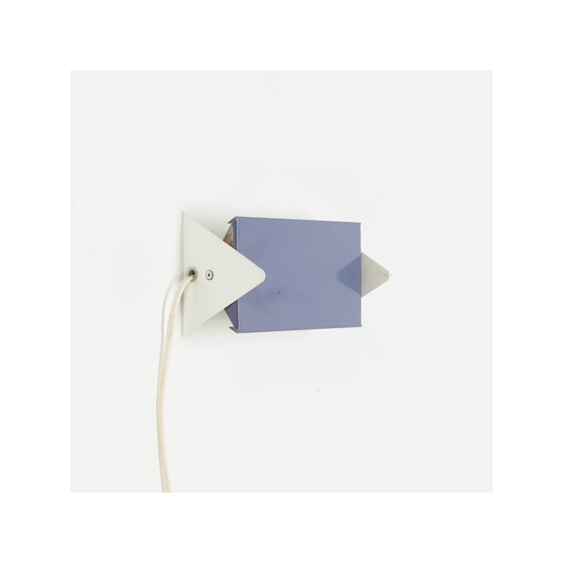 Anvia modernistic wall sconce