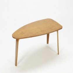 Plywood coffee-/ sidetable
