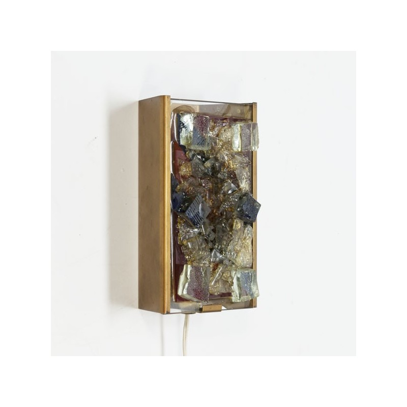 Wall lamp with pieces of glass