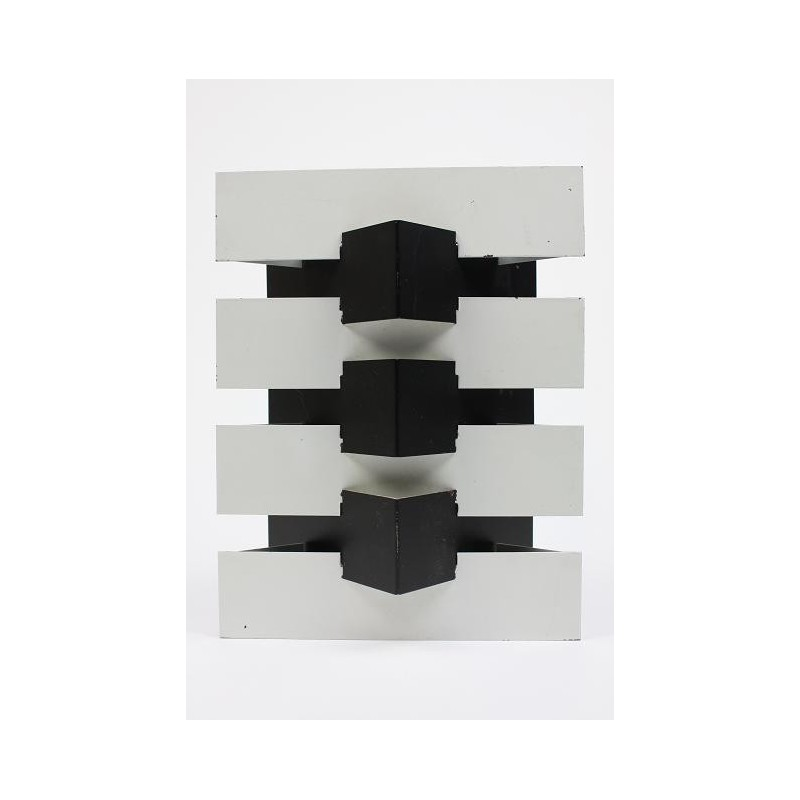 Anvia modernistic wall lamp black