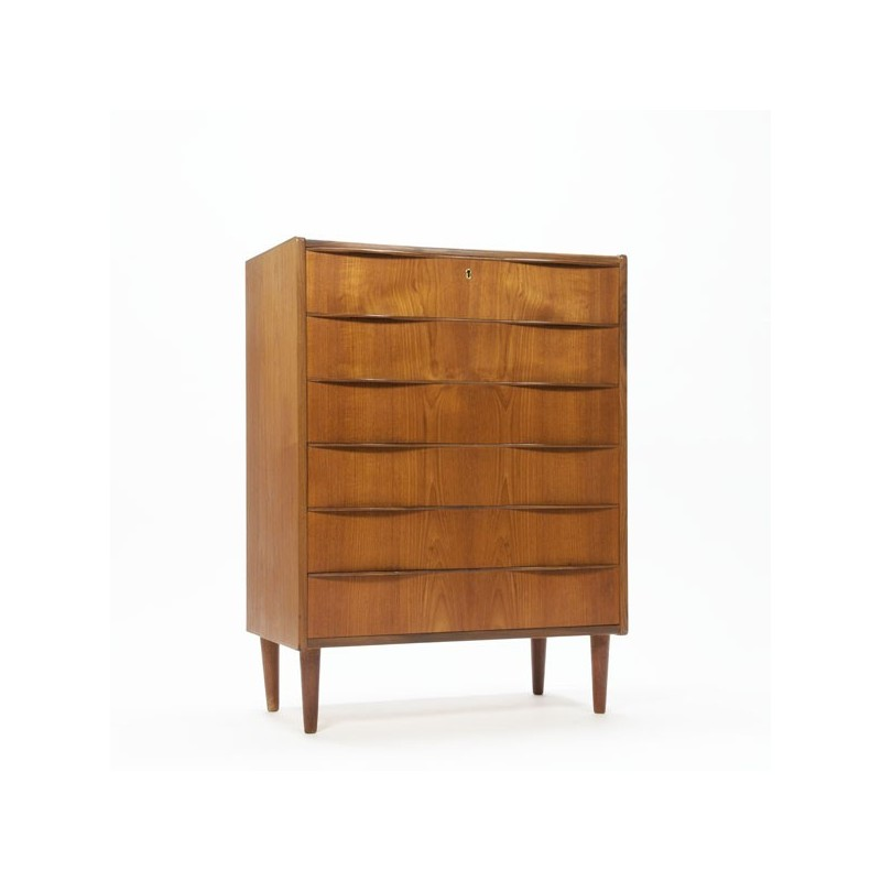 Luxury chest of drawers in teak