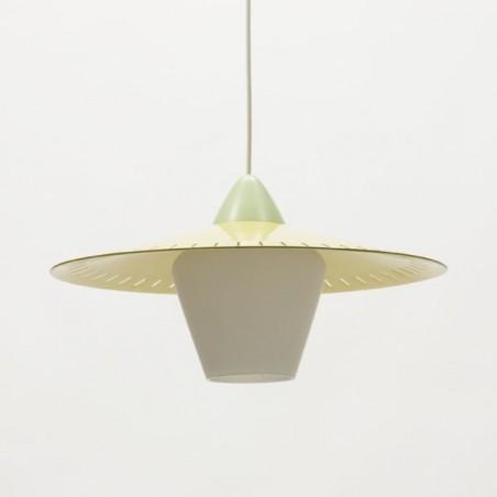 Glazen hanglamp met geel metalen kap
