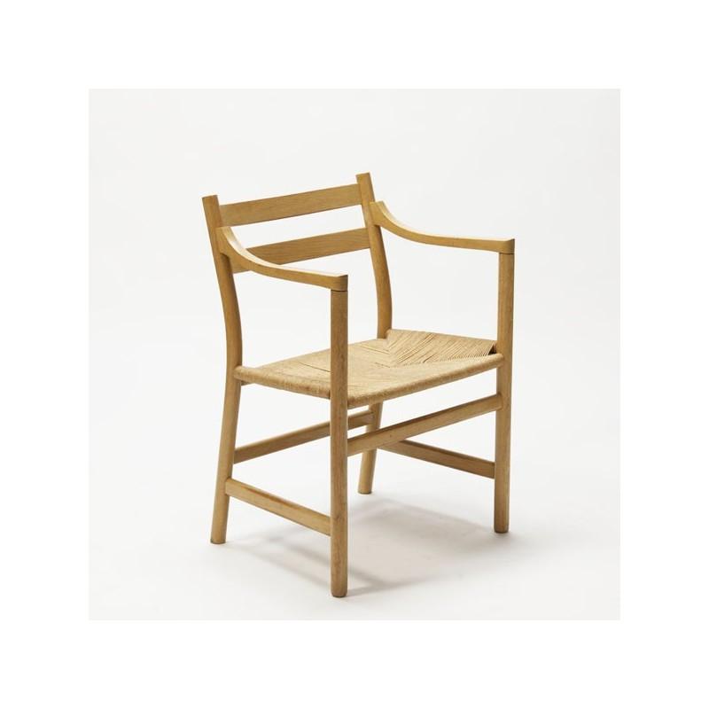 Hans J Wegner deskchair