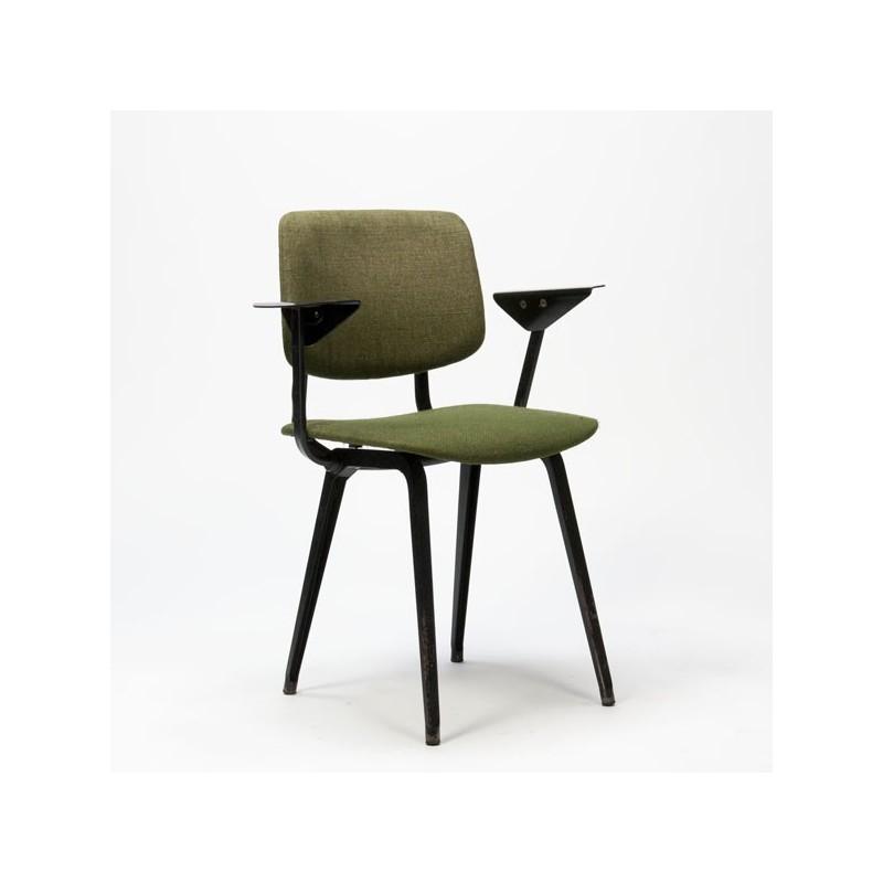 Friso kramer revolt groen retro studio for Revolt stoel