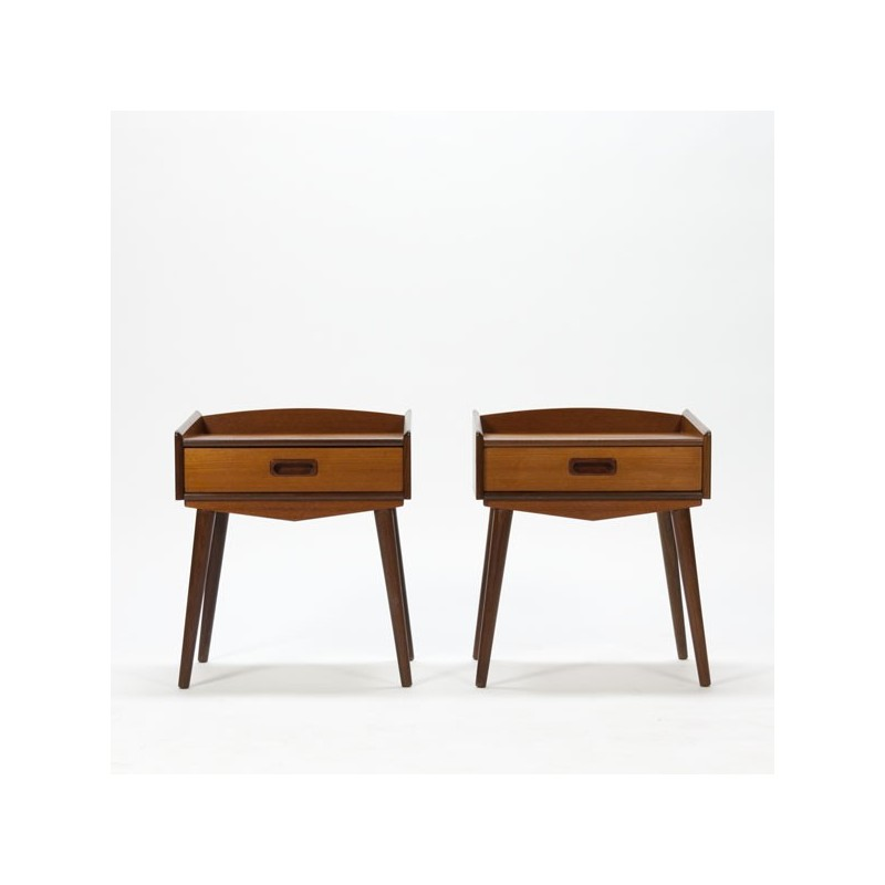 Set of 2 bedside tables in teak