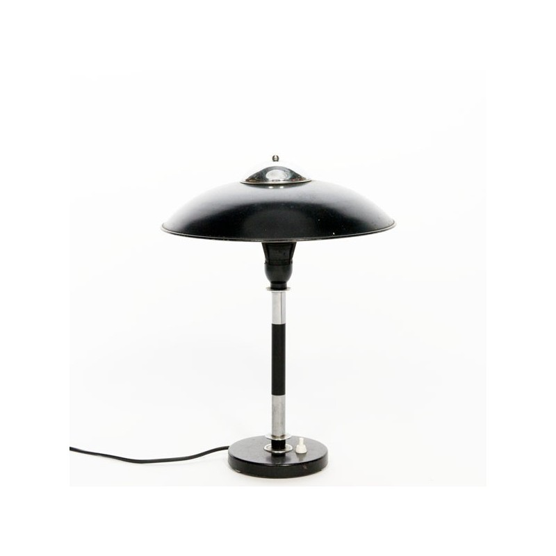 Black/ chrome table lamp