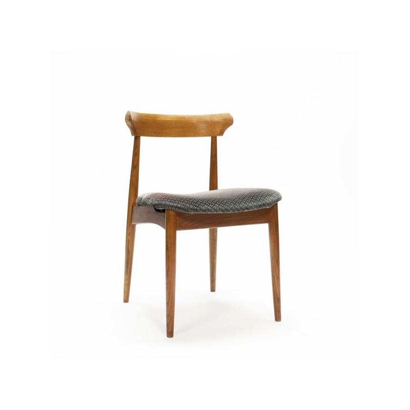 Scandinavische stoel grijze bekleding