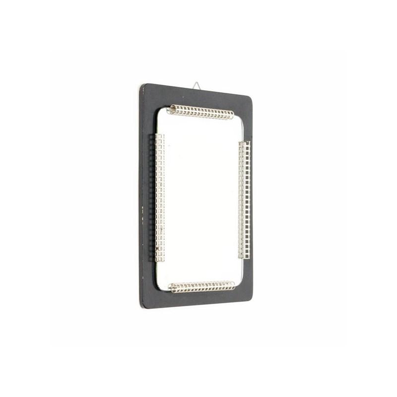 Spiegel met geperforeerd metalen rand