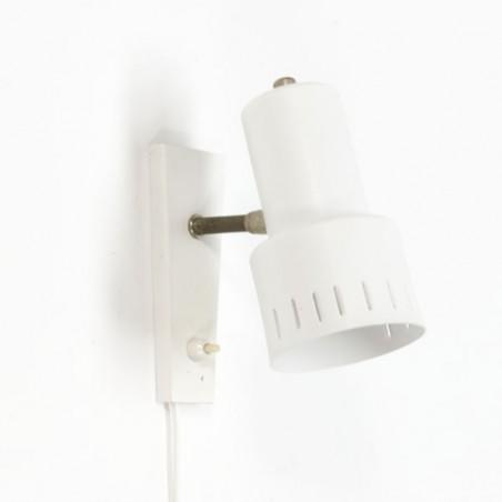 Wit metalen wandlamp