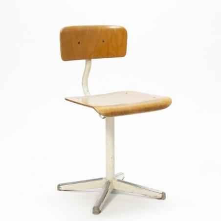 Indsutrial children's chair no.1