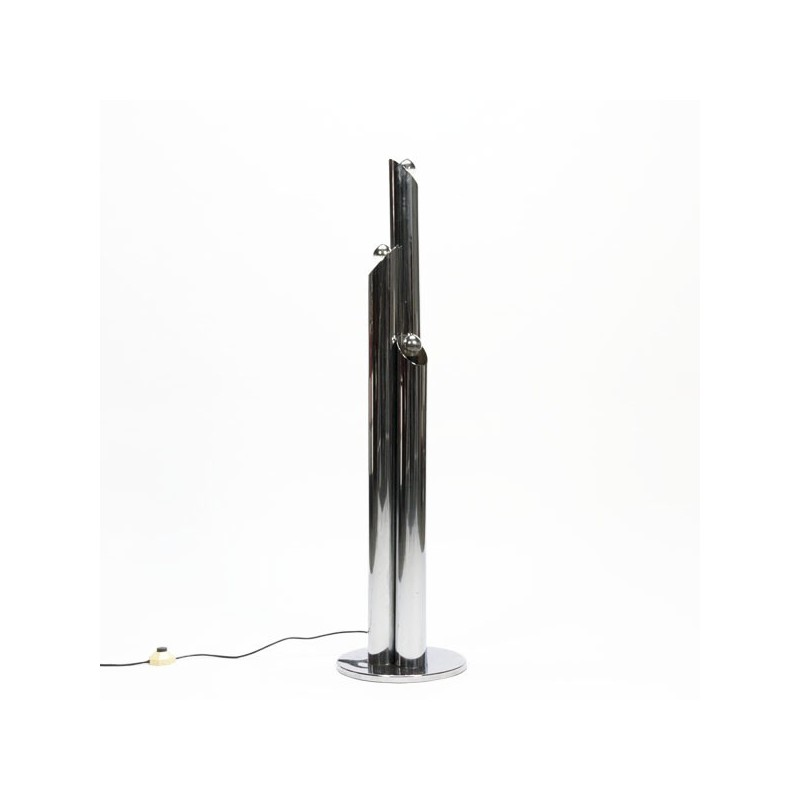 Standing floor lamp with chrome tubes
