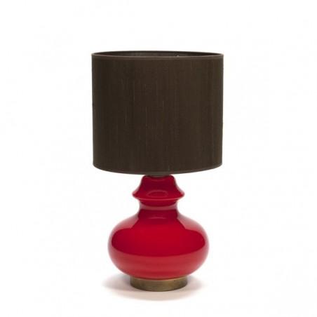 Tafellamp met rode glazen voet