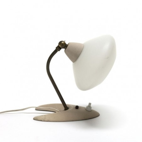 Tafellampje met glazen kapje