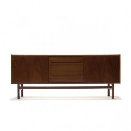 Laag dressoir in teakhout van Nils Jonsson