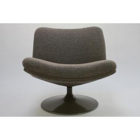 Artifort chair by Geoffrey Harcourt