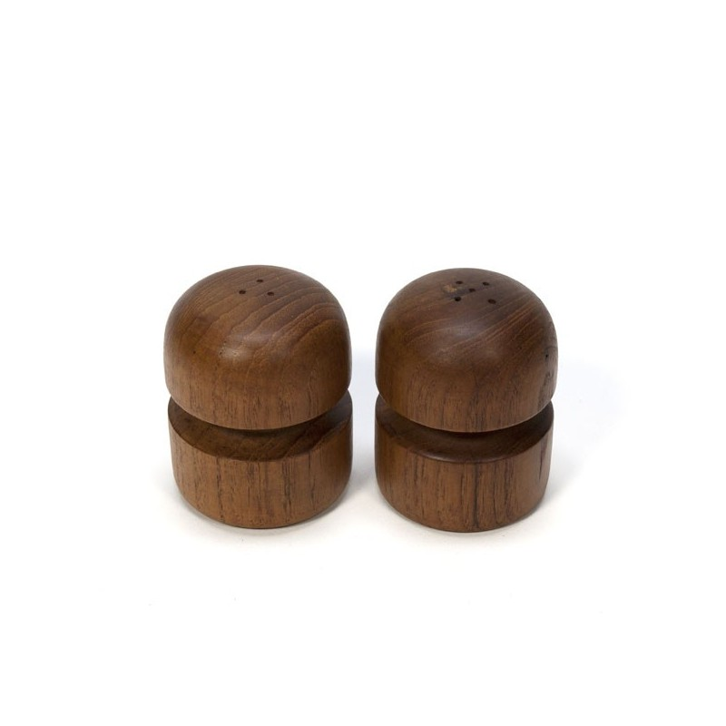 Salt and pepper set teak