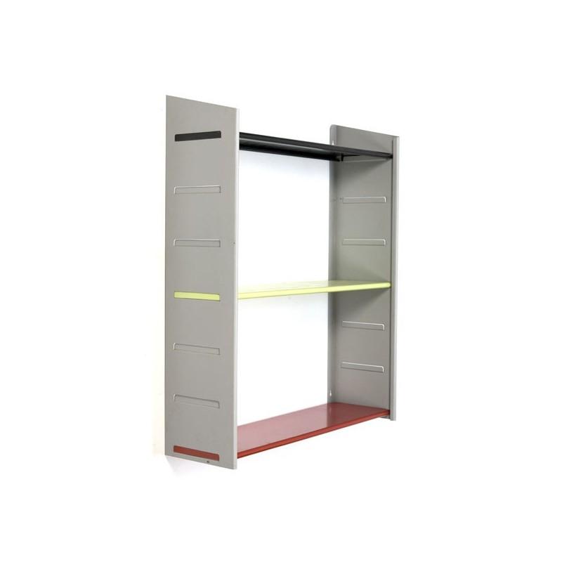 Wallsystem/ bookshelves by NVF