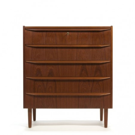 Dresser in teak with 5 drawers