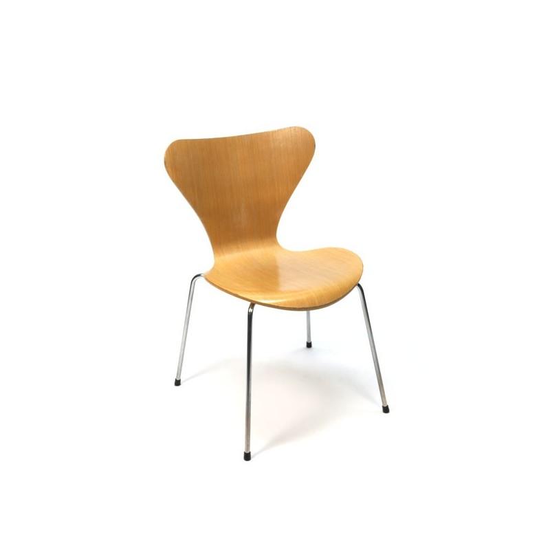Arne Jacobsen butterfly chair