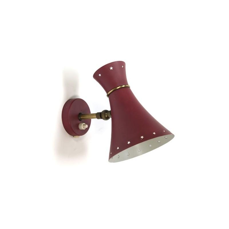 Vintage rode wandlamp met geperforeerde rand
