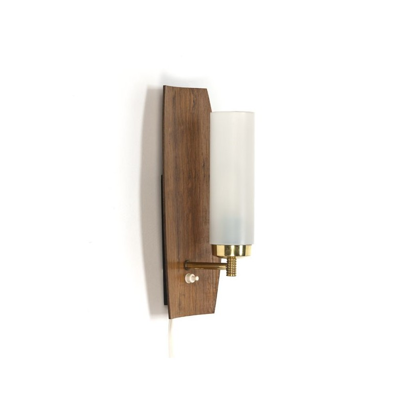 Wall lamp with wooden back