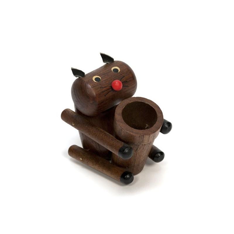 Small Scandinavian wooden figurine 'Cat'