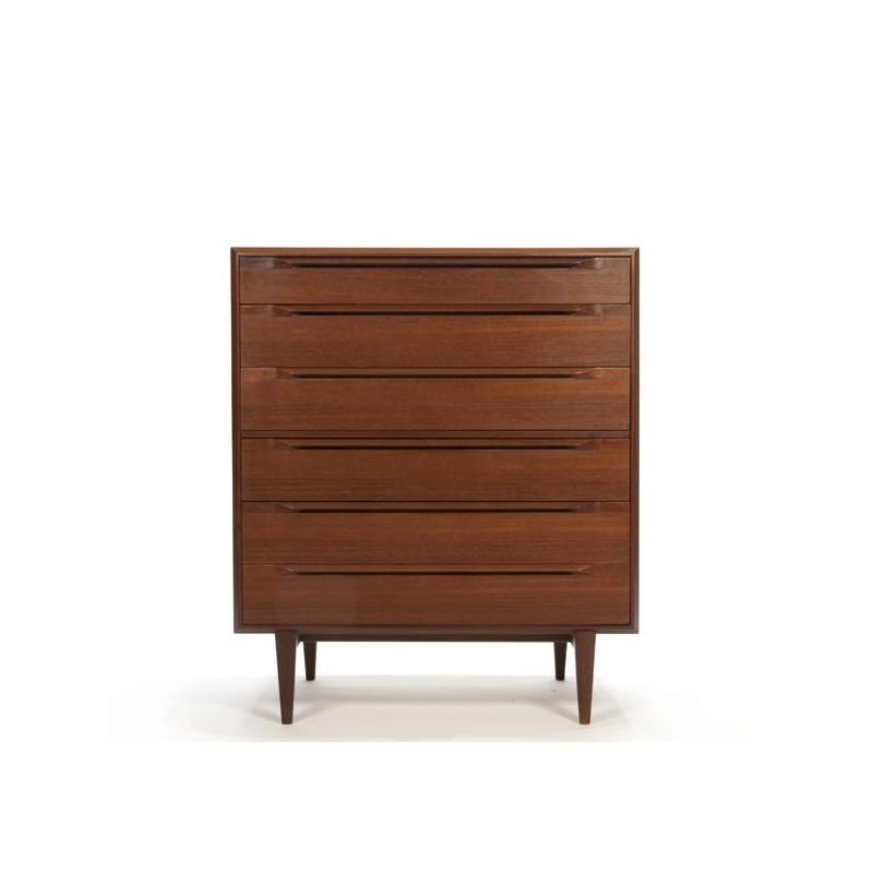 Luxury chest of drawers in teak