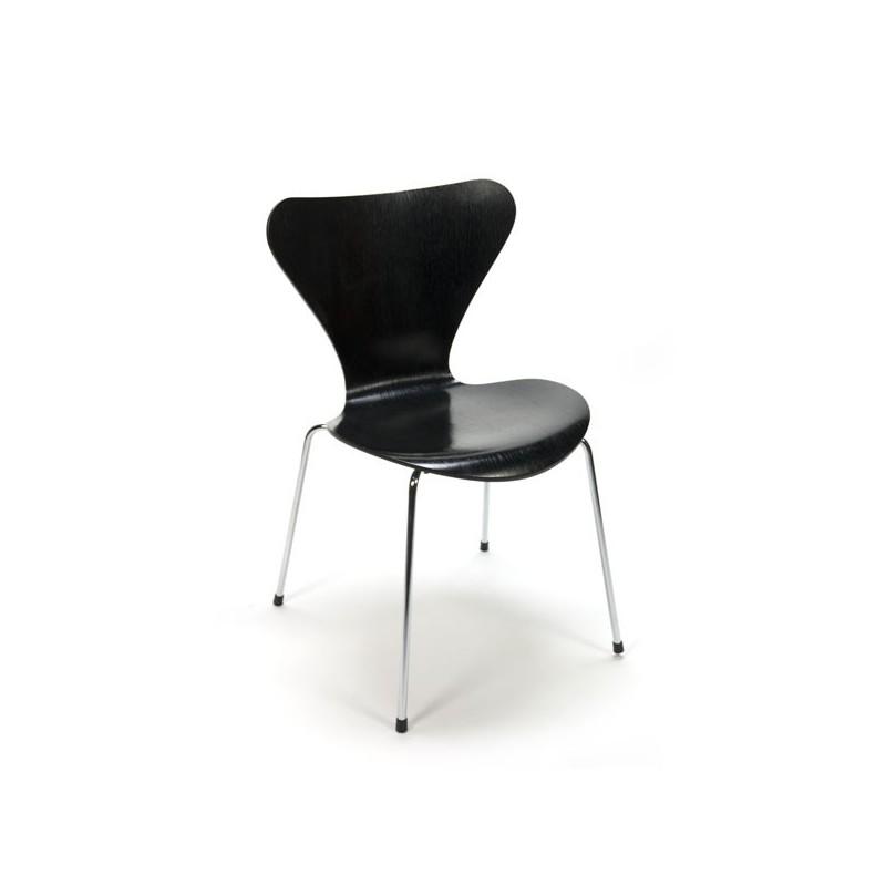 Vlinderstoel zwart van Arne Jacobsen