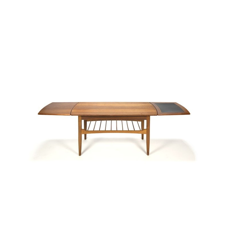 Coffee table in teak with extendable leafs