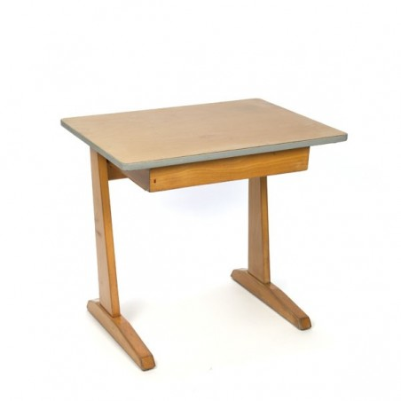 Casual children's desk with drawer