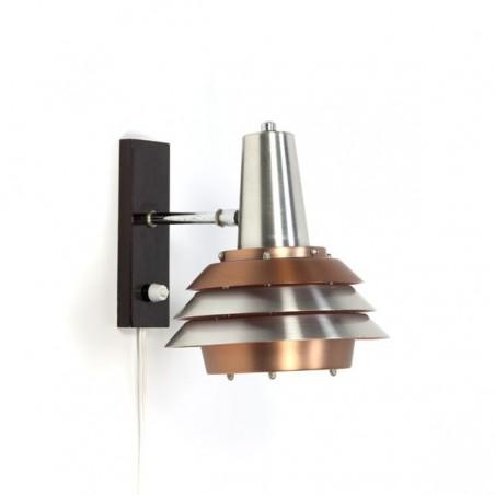 Wall lamp with aluminium discs