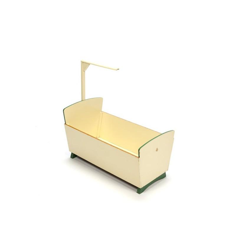ADO poppenbed ontworpen van Ko Verzuu