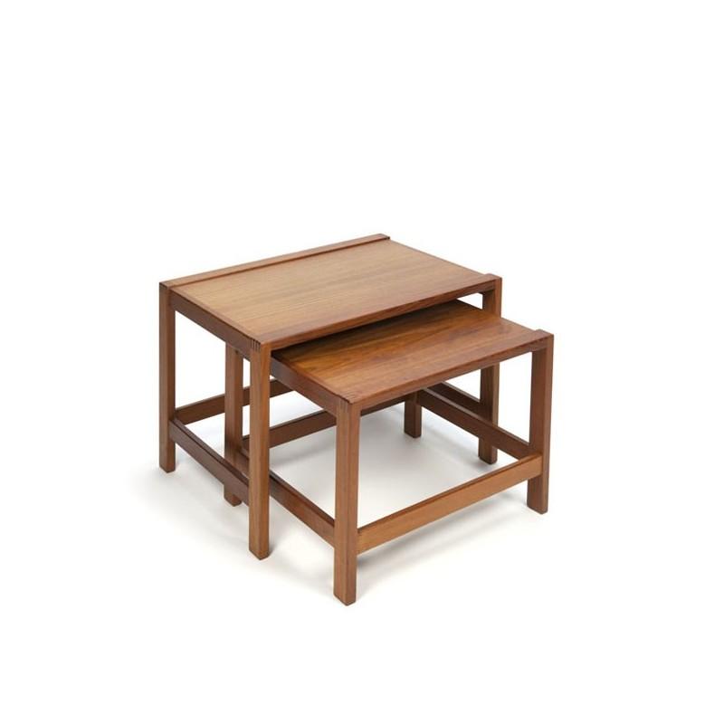 Set van 2 nest tafeltjes uit de Tønder meubelfabriek