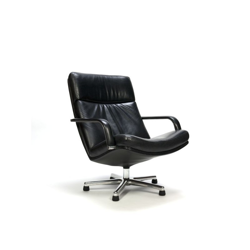 Artifact easy chair F154