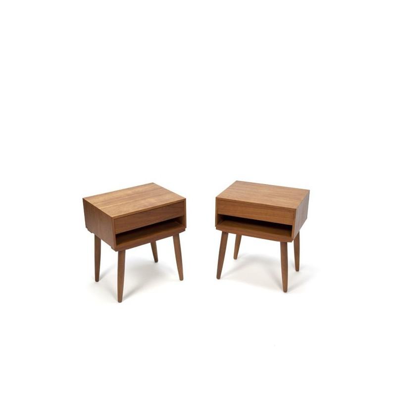 Set of 2 nightstands in teak