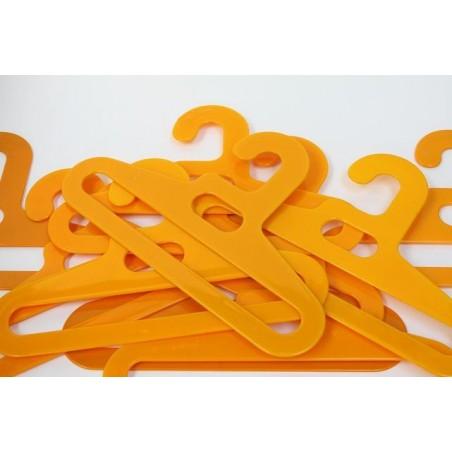 Plastic kledinghanger geel