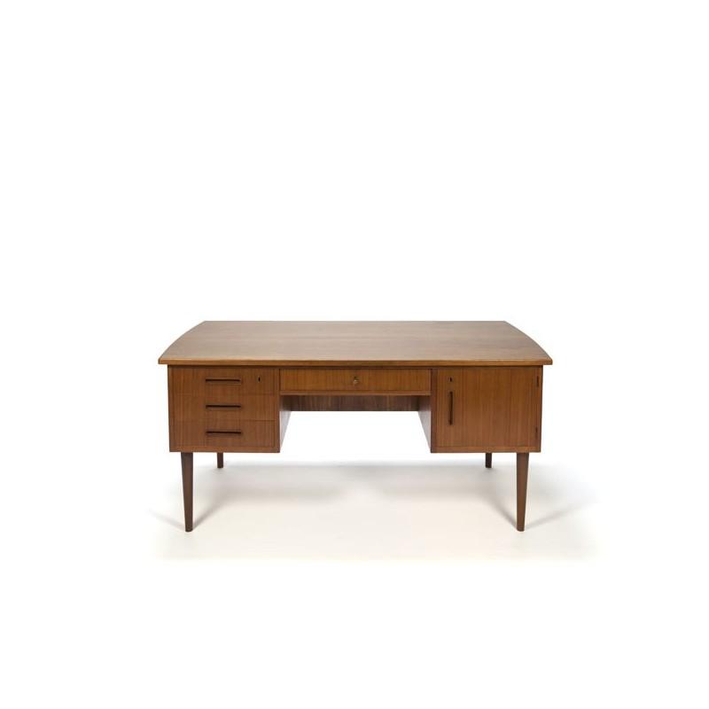 Large vintage Danish desk in teak vintage 1960s