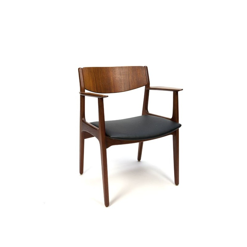 Teak chair with curved wooden backrest