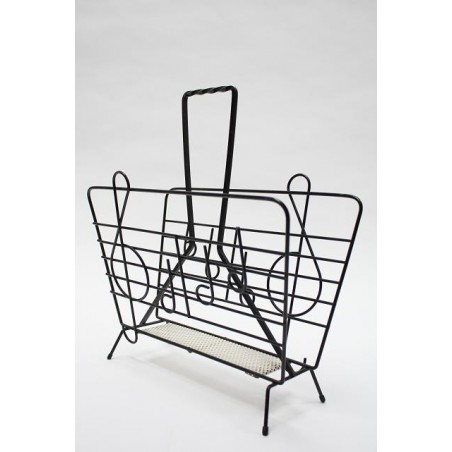 Magazine rack with scale