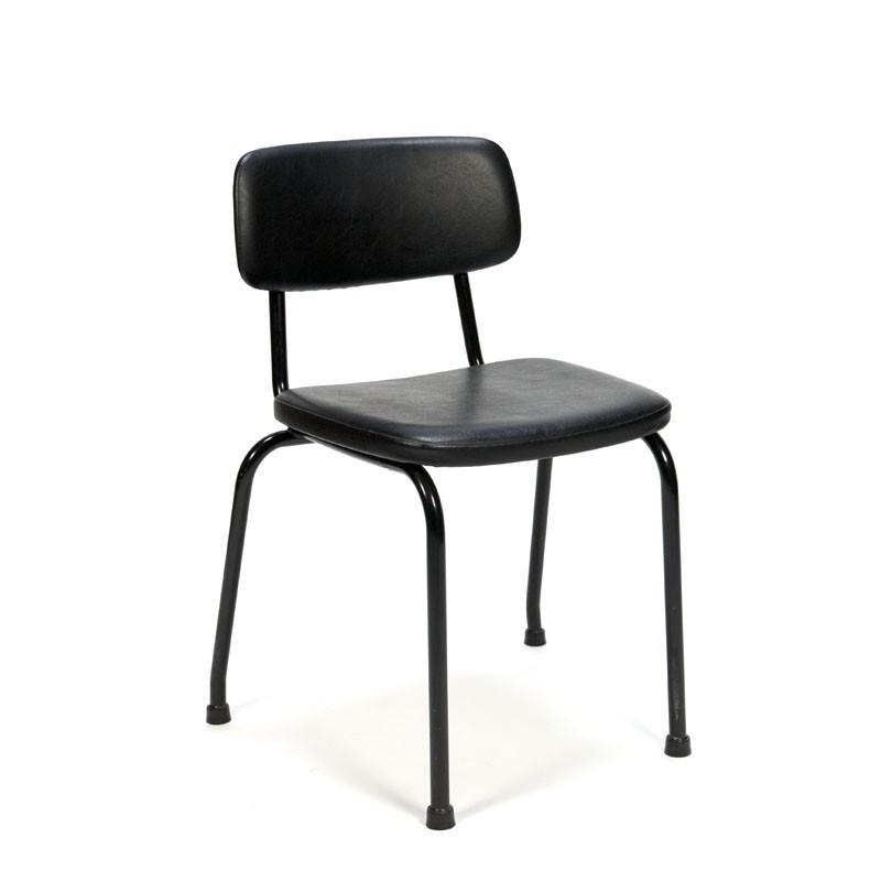 Ahrend stoel uit de jaren zestig met zwart skai