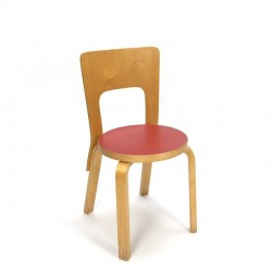 Alvar Aalto model chair 66