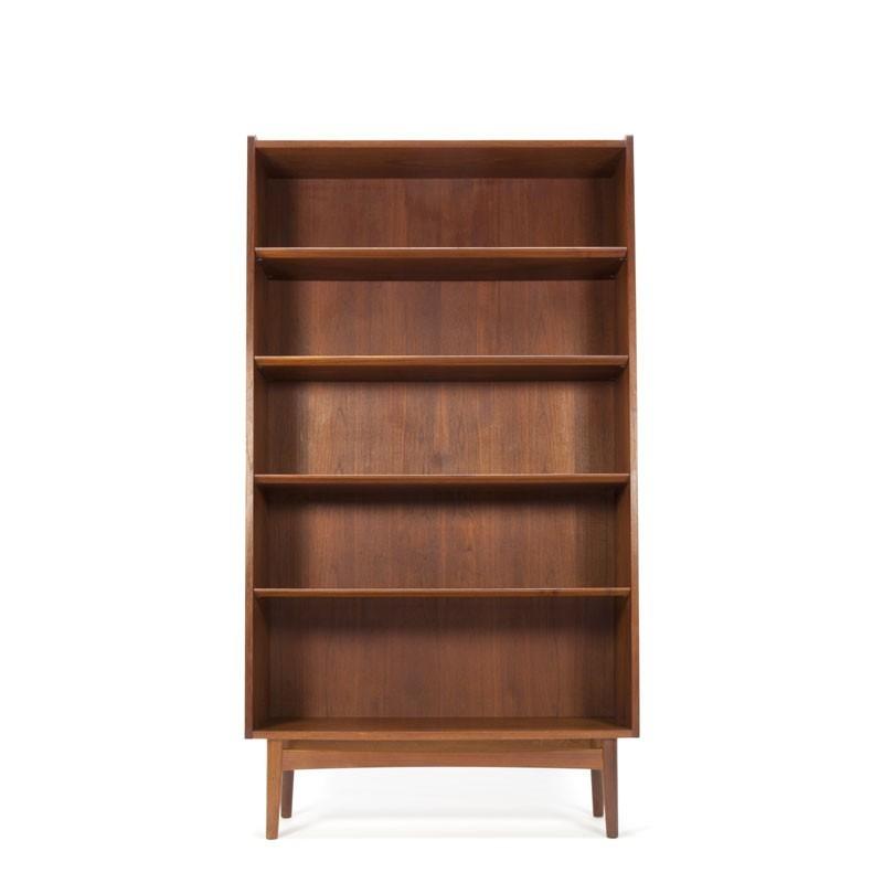 deense design boekenkast in teak