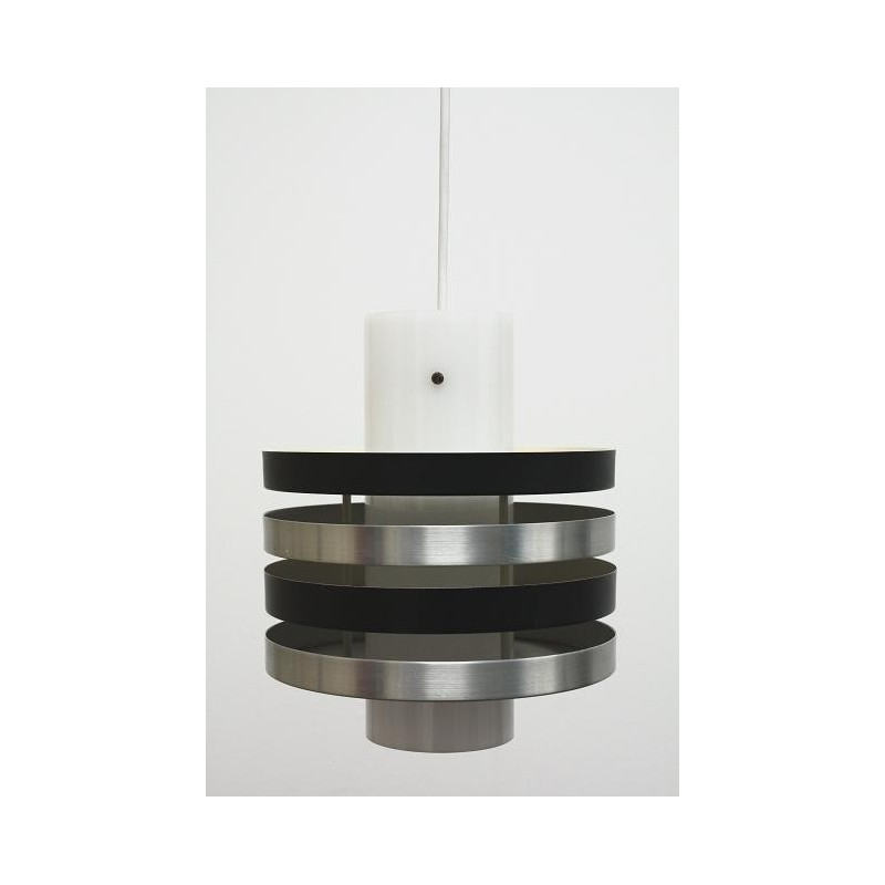 Plexiglass hanging lamp with aluminium disks