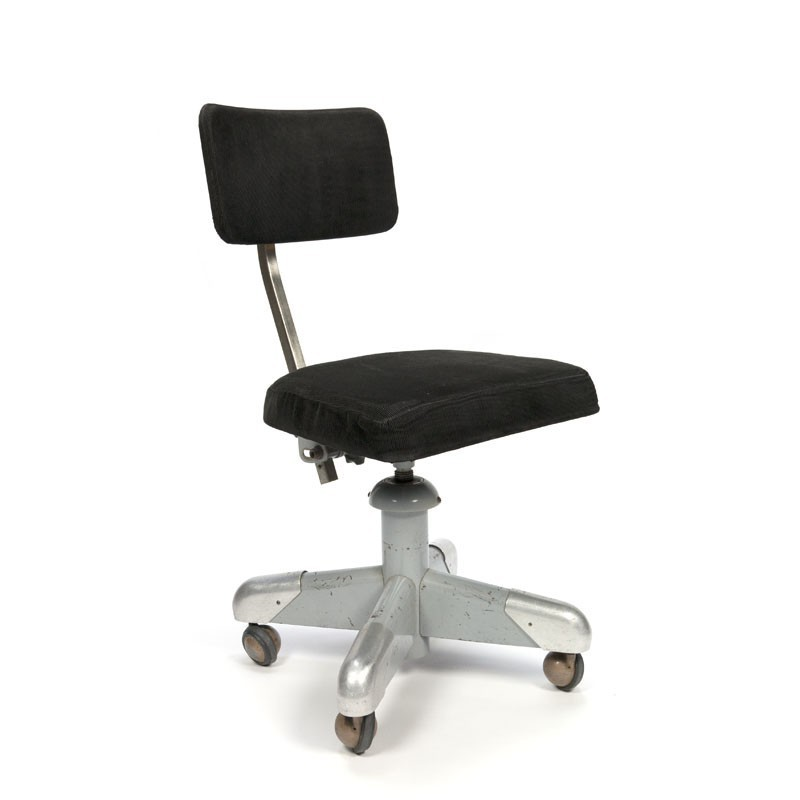 Gispen desk chair with black corduroy