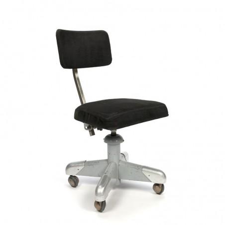 Gispen bureaustoel met zwarte ribstof